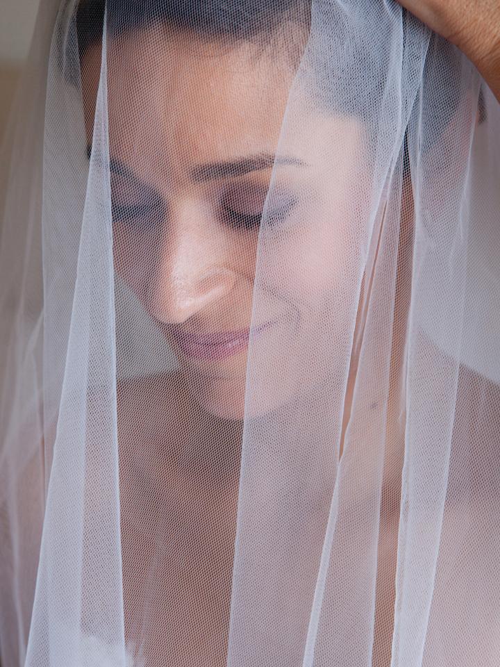 photo d'une mariée sous son voile